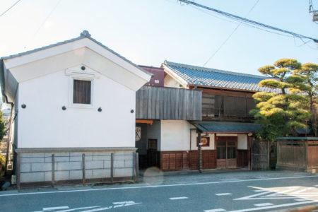 Japanese-style winery building with sericulture farm characteristics (Katsunuma Winery Co., Ltd.)