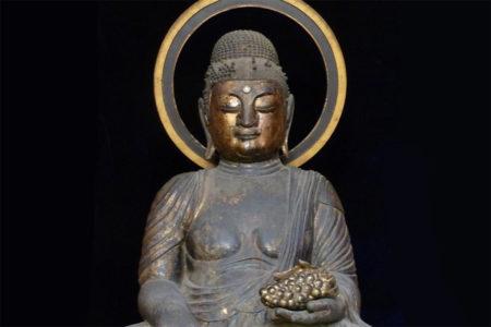 Wooden statue of Bhaisajyaguru(Yakushi Nyorai)